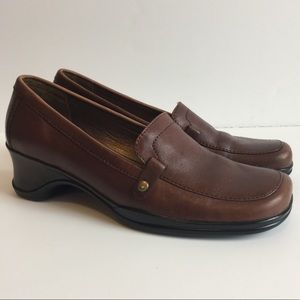 Naturalizer | Chestnut Brown Loafers Size 6